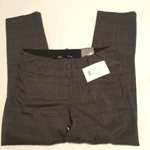 Maurices Smart Skinny Plaid Pants, Size 5/6 Short